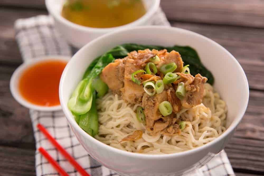 4 Tips Membuat Mie Ayam yang Lebih Menyehatkan