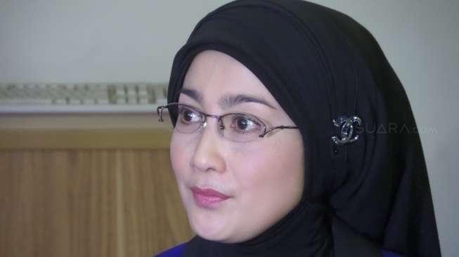 Ditanya soal Pernikahan Irwan Mussry - Maia Estianty, Desy Ratnasari Kabur