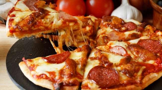 Wah, Dibanding Uang, Pizza Lebih Bikin Karyawan Rajin Kerja