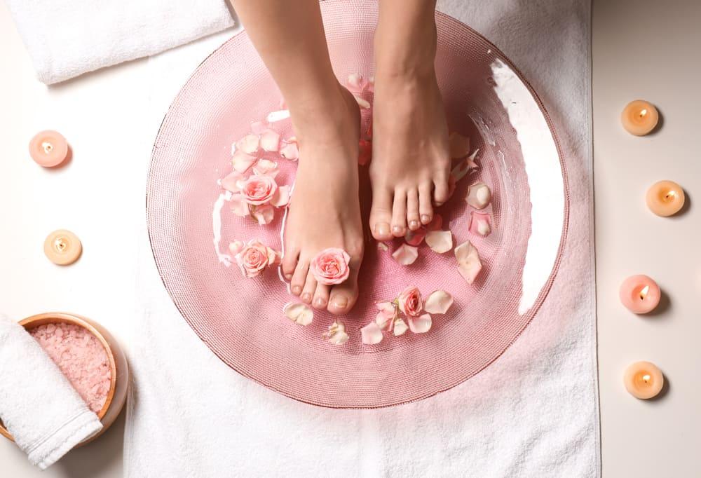 Mau Foot Spa (Spa Kaki) Sendiri di Rumah? 6 Tips Ini Wajib Anda Coba!