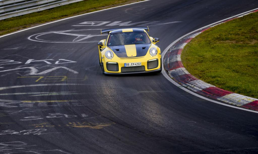 Porsche 911 GT2 RS, Si Buas dan Pencetak Rekor Tercepat ...
