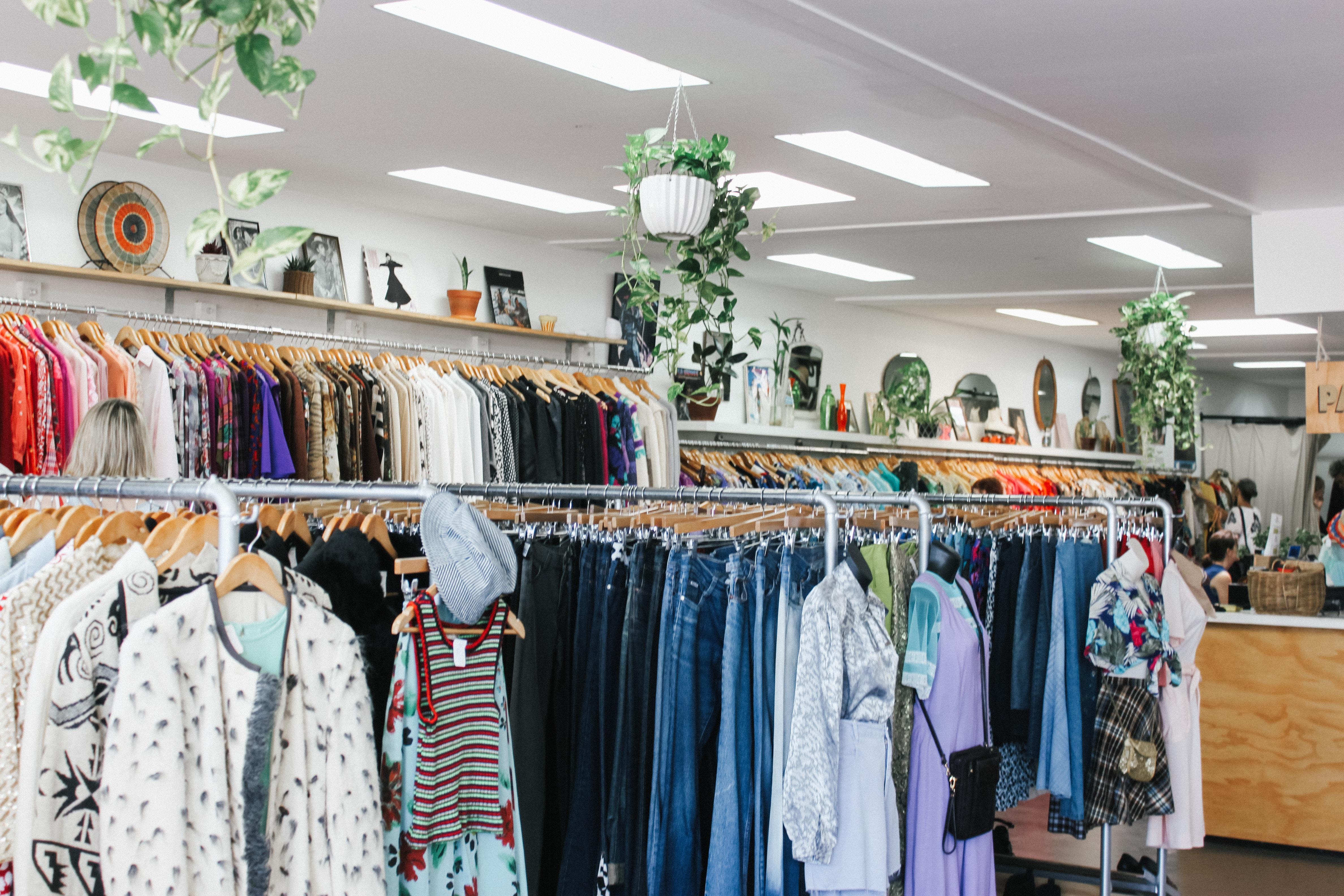 Pemilik Toko Pakaian di Inggris Buka Lowongan Kerja untuk Pencuri