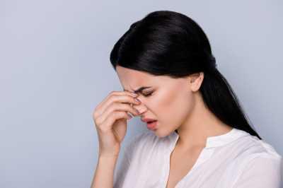 9 Penyebab Sakit Kepala di Belakang Mata