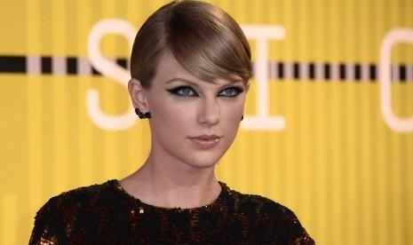 Taylor Swift Bantu Beli Rumah untuk Pengemar