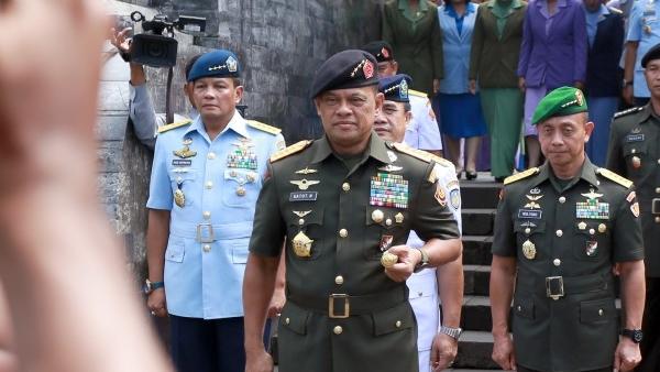 Tidak Cukup Maaf, AS Harus Jelaskan Alasan Menolak Panglima TNI