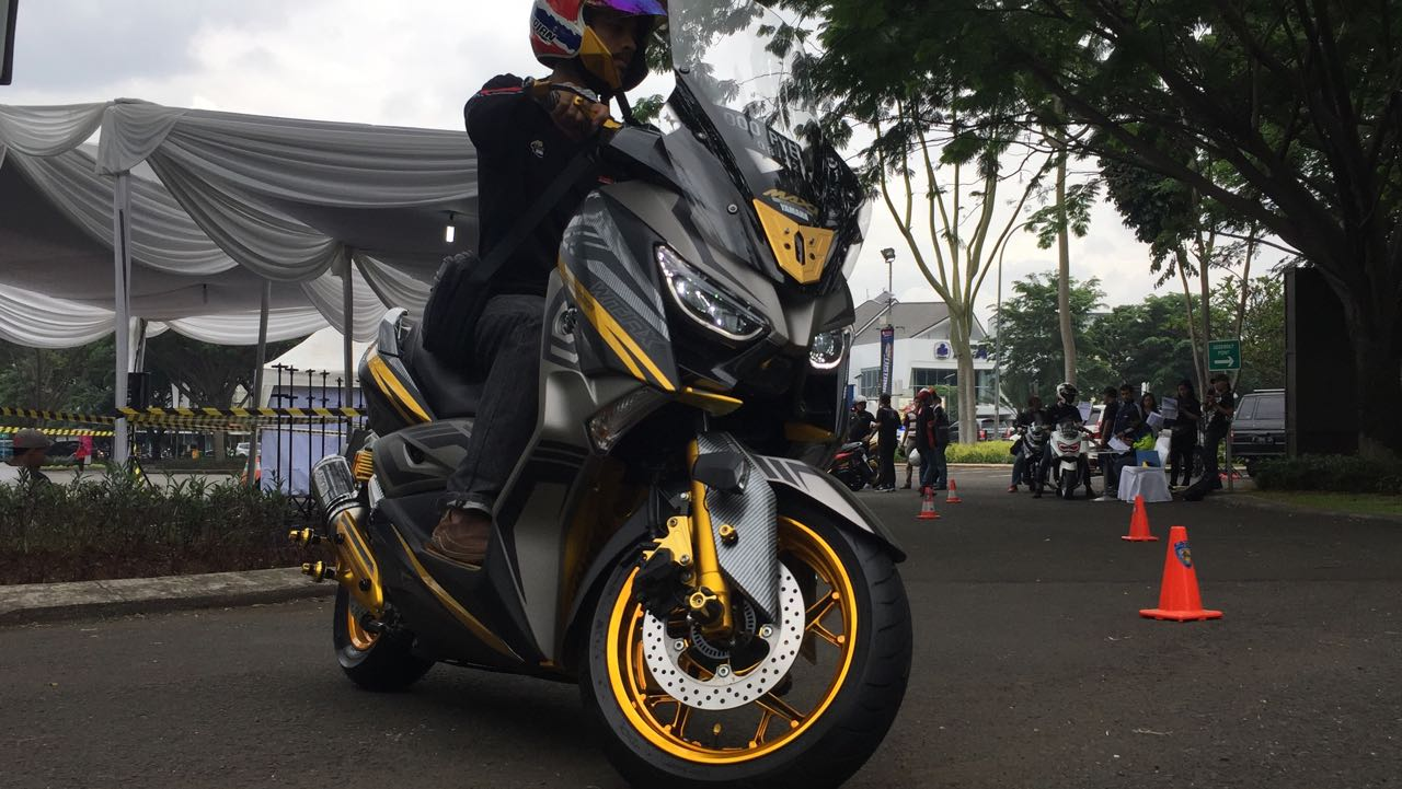 Yamaha XMAX Bertabur Fitur: GPS Satelit hingga Sensor Ban